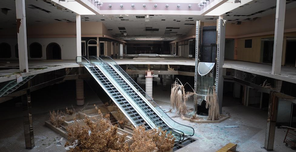 Foto tratta dal libro Black Friday – The Collapse of the American Shopping Mall, di Seph Lawless